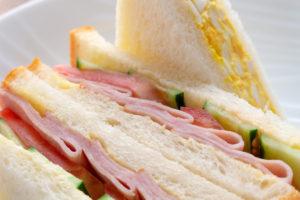 自家製卵サラダを使ったサンドイッチ